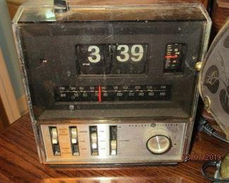 GE Flip clock radio