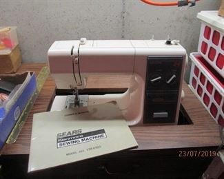 Sear sewing machine with cabinet