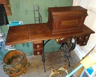 Garage:  Vintage Davis  Sewing Machine