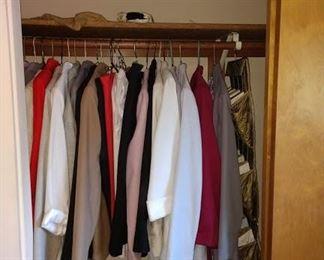 2nd Bedroom Left:  Women's Clothes,