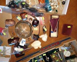 Living Room:  Pipes, Pipe Holder, Meerschaum Pipes