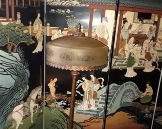 2 fabulous Japanese hand-painted wall partitions, nice selection of antique lamps