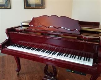 Gorgeous Baby Grand Player Piano. Plays great