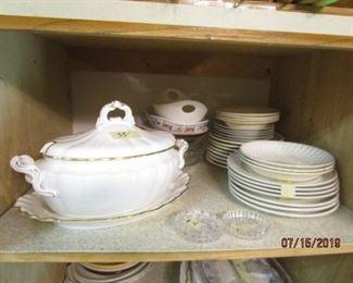 Soup tureen and dishware