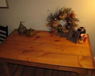 honey oak table