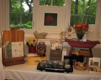 Artists' supplies