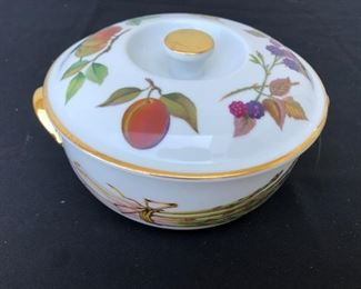 Royal Worcester fine porcelain bowl with lid
