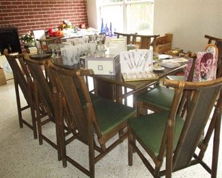 Rattan set with 9 chairs
