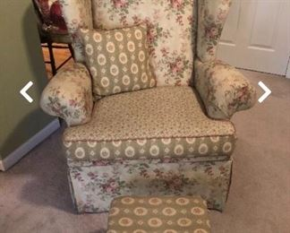 HICKORY HILL GRANDMA'S ATTIC COLLECTION WING CHAIR & OTTOMAN