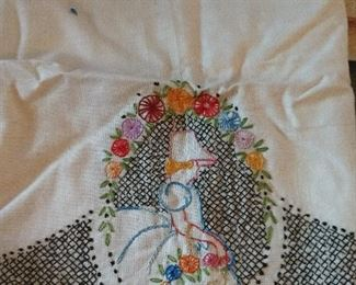 CLOSE-UP...EMBROIDERED LINENS
