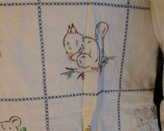 CLOSE-UP EMBROIDERED TABLE CLOTH