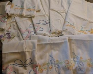 VINTAGE EMBROIDERED PILLOW CASES