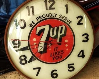 Vintage Advertising Clock- 7UP