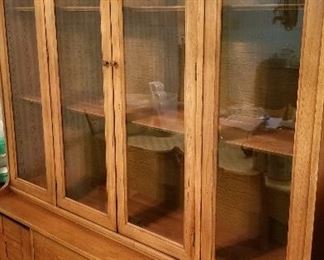 BEAUTIFUL china cabinet (matching table available with 6 chairs, plus table protector pad and an extra leaf)