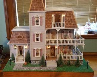 001 Vtg Victorian Doll House Furnished