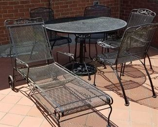 003 Wrought Iron Table, 4 Chairs and Lounge