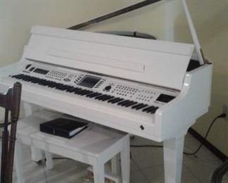 Gorgeous BALDWIN digital baby grand piano, she paid thousands for, don't miss the opportunity at a MUCH reduced price :)