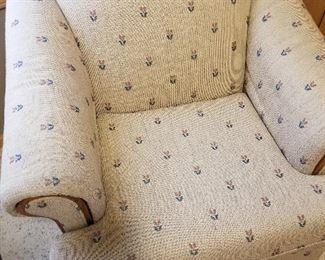 Living Room Chair. Located Off Property. You will need to schedule a time to see this.