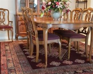 rugs, dining set