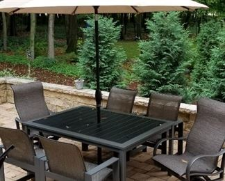Homecrest Outdoor Dining Table and Chairs