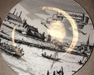 VINTAGE RUSSELSHEIM DECORATIVE PLATE
