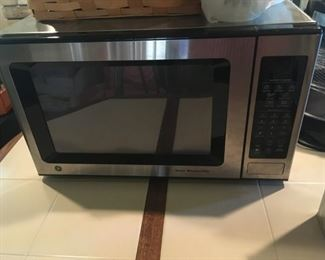 . . . complimented by a nice stainless microwave.