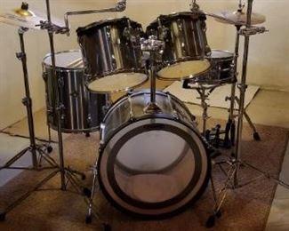 11 piece Tama Rockstar drum kit