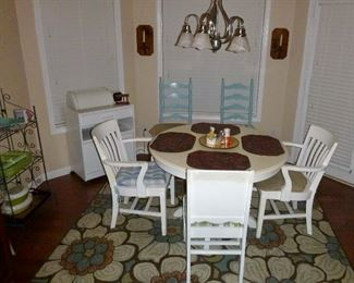 cute vintage kitchen table & chairs