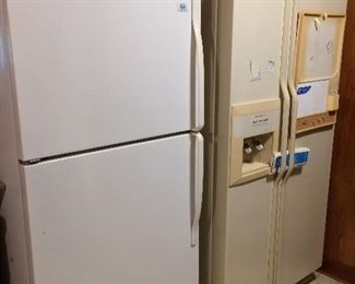 2 working refrigerators......  Roper by Whirlpool and Kitchenaid side by side.  Also have several working upright freezers and another refrigerator.