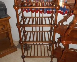 Victorian 4 shelf, and is gorgeous!