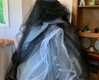 Dramatic Confection Ball Gown by Oscar de la Renta, never worn