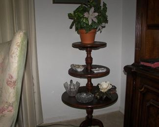 3 tiered table