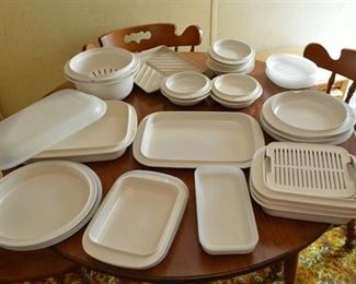Assorted Plastic Microwave Safe Cookware