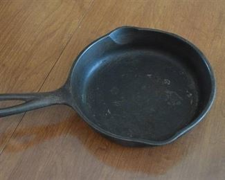 Wagner Ware Cast Iron Skillet - No 3