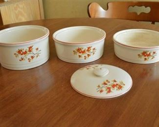 3 Stacking Bowls With Lid