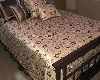 Custom-made queen sized bedding