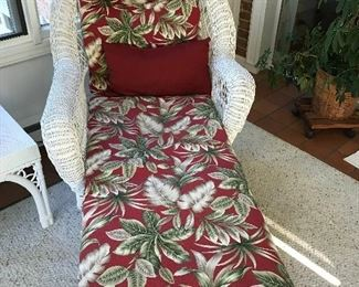 White wicker chaise
