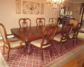 """Thomasville Dining Room Suite """"Kent Park Collection"""" Stunning Thomasville Lighted Glass Mahogany China Display Cabinet"""