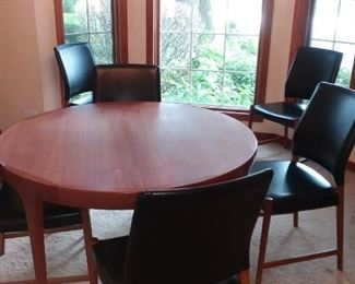 Fab Danish Modern dining set-expands & has a leaf-great leather chairs