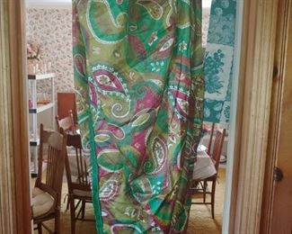 Beautiful round vintage material Paisley tablecloth