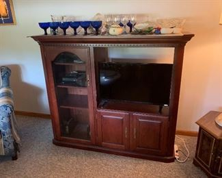 Entertainment center with flat Screen TV