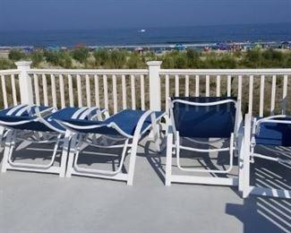 Telescope lounge chairs