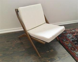 Dux Scissor Chair
