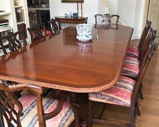 Georgian mahogany carved pedestal table.  Seats up18!