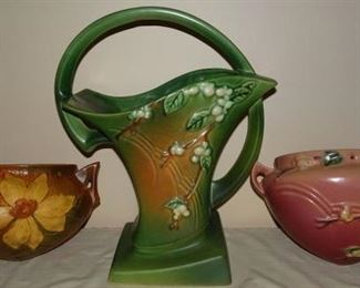 "Roseville Pottery ""Clematis"", ""Snowberry"""