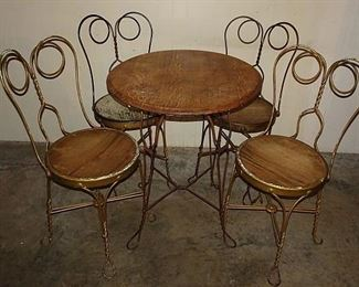 Old Wire Base Ice Cream Parlor Set