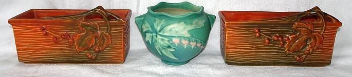 "Roseville Pottery Incl. ""Bushberry"", ""Bleeding Heart"""