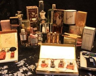 Collection of antique & vintage perfume/parfum