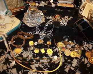 Huge amount of antique & vintage jewelry. Gold, silver and costume.