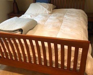 BEDROOM SET BED